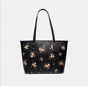 Coach city zip tote in tossed daisy print